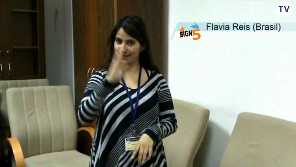 Flavia Reis