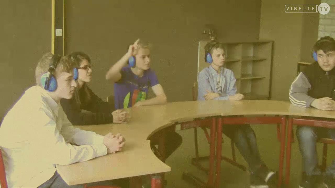 Unterricht mit Mikrophon und Kopfhörer
