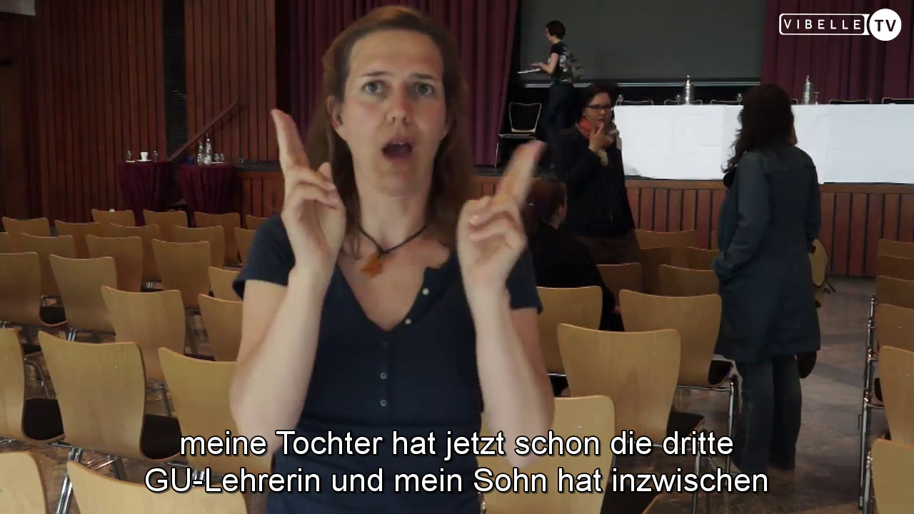 Mutter zweier gehörloser Regelschüler